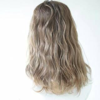 ロング ブラウンベージュ ハイライト 外国人風カラー ヘアスタイルや髪型の写真・画像