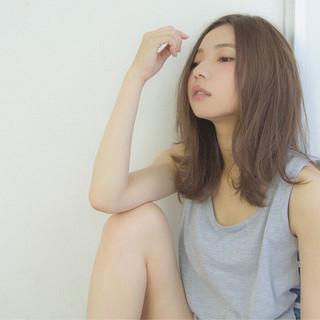 大人かわいい 暗髪 フェミニン アッシュ ヘアスタイルや髪型の写真・画像 ヘアスタイルや髪型の写真・画像