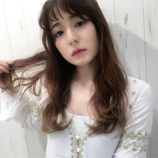 アンニュイ 女子会 リラックス ウェーブ ヘアスタイルや髪型の写真・画像