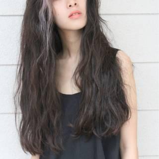 ウェットヘア ロング ナチュラル パンク ヘアスタイルや髪型の写真・画像