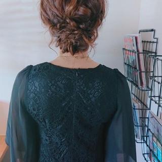 ヘアアレンジ セミロング フェミニン オシャレ ヘアスタイルや髪型の写真・画像