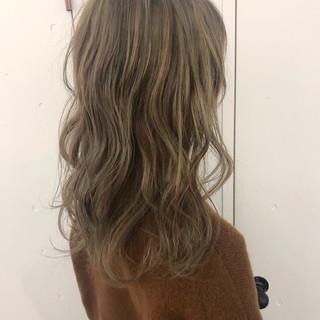 ガーリー ベージュ ヌーディベージュ ミルクティーベージュ ヘアスタイルや髪型の写真・画像 ヘアスタイルや髪型の写真・画像