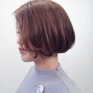 ウェットヘア 暗髪 センターパート ショート ヘアスタイルや髪型の写真・画像