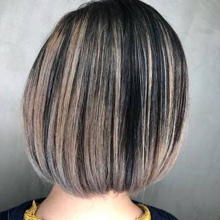 ストリート バレイヤージュ 外国人風 ブリーチ ヘアスタイルや髪型の写真・画像
