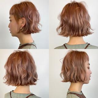 ショートボブ ショートヘア ガーリー 切りっぱなしボブ ヘアスタイルや髪型の写真・画像