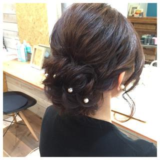 ねじり ミディアム ヘアアレンジ パーティ ヘアスタイルや髪型の写真・画像