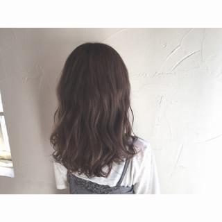 アッシュ ストリート ゆるふわ ハイライト ヘアスタイルや髪型の写真・画像