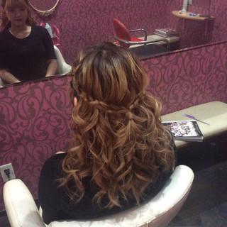 ヘアアレンジ ミディアム ガーリー 編み込みヘア ヘアスタイルや髪型の写真・画像