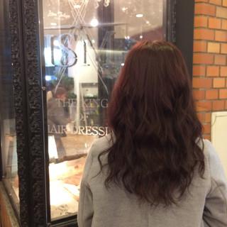 セミロング ピンク 上品 巻き髪 ヘアスタイルや髪型の写真・画像 ヘアスタイルや髪型の写真・画像