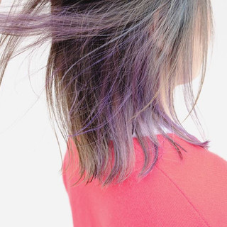 ナチュラル インナーカラー インナーカラーパープル ブリーチオンカラー ヘアスタイルや髪型の写真・画像