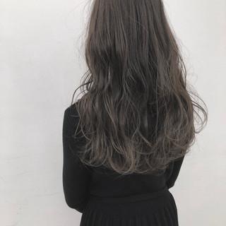 ロング ナチュラル ブルージュ ハイライト ヘアスタイルや髪型の写真・画像