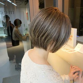 グレージュ ベージュ ショートボブ ショートヘア ヘアスタイルや髪型の写真・画像