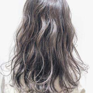アッシュ アディクシーカラー セミロング ラベンダーアッシュ ヘアスタイルや髪型の写真・画像
