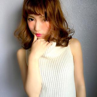 外国人風 セミロング 前髪あり グラデーションカラー ヘアスタイルや髪型の写真・画像