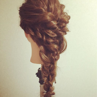 ロープ編み ロング パーティ 波ウェーブ ヘアスタイルや髪型の写真・画像