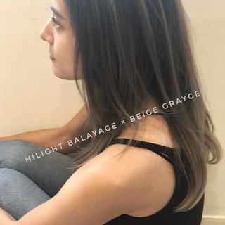 アンニュイほつれヘア ハイライト ナチュラル セミロング ヘアスタイルや髪型の写真・画像