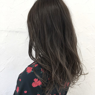 ストリート 黒髪 セミロング グレージュ ヘアスタイルや髪型の写真・画像
