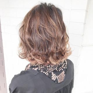 インナーカラー 切りっぱなしボブ ショートボブ ボブ ヘアスタイルや髪型の写真・画像