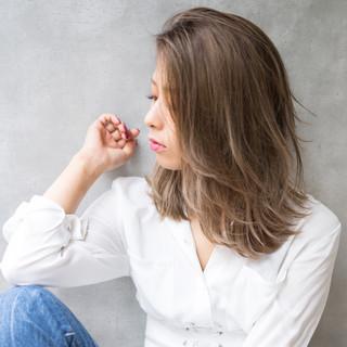 前髪あり エレガント ハイトーン 上品 ヘアスタイルや髪型の写真・画像
