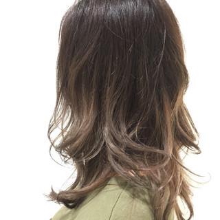 ミディアム 秋 上品 エレガント ヘアスタイルや髪型の写真・画像