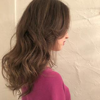 グレージュ エレガント デート ロング ヘアスタイルや髪型の写真・画像
