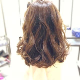 ミディアム ゆる巻き デート 巻き髪 ヘアスタイルや髪型の写真・画像