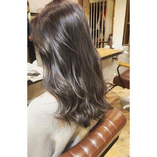 セミロング ナチュラル デジタルパーマ パーマ ヘアスタイルや髪型の写真・画像
