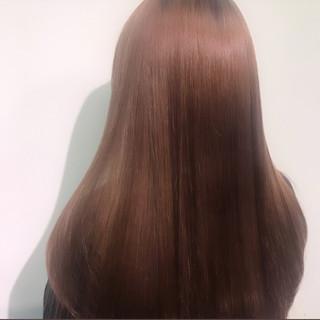 ロング ピンク ナチュラル ツヤツヤ ヘアスタイルや髪型の写真・画像