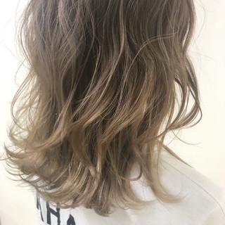 グラデーションカラー 外国人風カラー ヘアカラー ミディアム ヘアスタイルや髪型の写真・画像