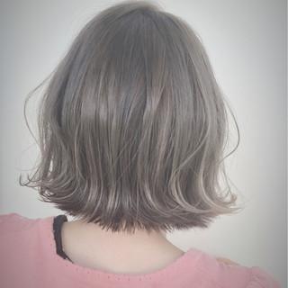 外ハネ 外国人風 グレージュ ストリート ヘアスタイルや髪型の写真・画像