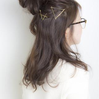 簡単ヘアアレンジ ヘアアレンジ ハーフアップ セミロング ヘアスタイルや髪型の写真・画像