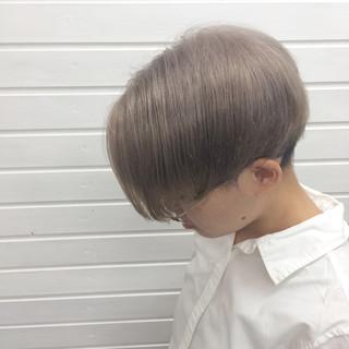 秋 モード ショート アッシュグレージュ ヘアスタイルや髪型の写真・画像