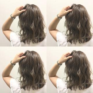 波ウェーブ グラデーションカラー ハイライト ストリート ヘアスタイルや髪型の写真・画像
