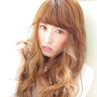 ワイドバング 黒髪 フェミニン ハイライト ヘアスタイルや髪型の写真・画像