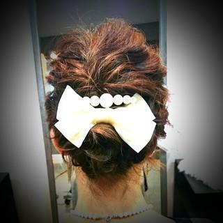 フェミニン バレッタ ボブ 結婚式 ヘアスタイルや髪型の写真・画像