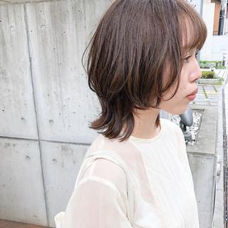 ウルフカット ミディアム ミディアムレイヤー レイヤーカット ヘアスタイルや髪型の写真・画像