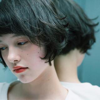 ウェーブ 外国人風カラー ボブ 暗髪 ヘアスタイルや髪型の写真・画像
