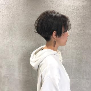 ショート オリーブグレージュ ジェンダーレス ショートヘア ヘアスタイルや髪型の写真・画像