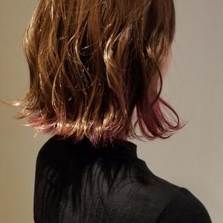レッド ゆるふわ ウェーブ ピンク ヘアスタイルや髪型の写真・画像