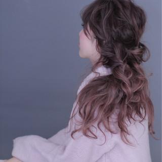 フェミニン ルーズ ゆるふわ ロング ヘアスタイルや髪型の写真・画像 ヘアスタイルや髪型の写真・画像