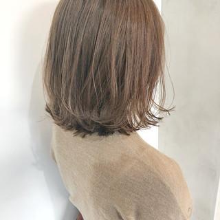 外国人風カラー ナチュラル デート 切りっぱなしボブ ヘアスタイルや髪型の写真・画像