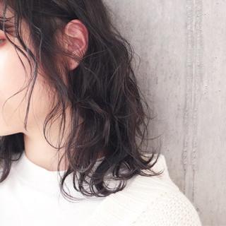 アンニュイほつれヘア ミディアム ナチュラル 簡単ヘアアレンジ ヘアスタイルや髪型の写真・画像
