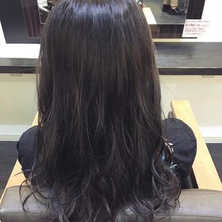 ロング 暗髪 ニュアンス グレージュ ヘアスタイルや髪型の写真・画像