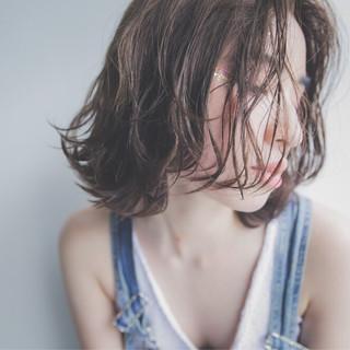 外国人風 涼しげ ハイライト モード ヘアスタイルや髪型の写真・画像