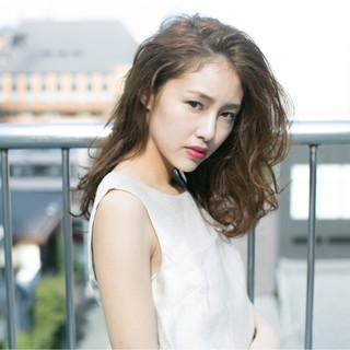 外国人風 ストリート ハイライト セミロング ヘアスタイルや髪型の写真・画像
