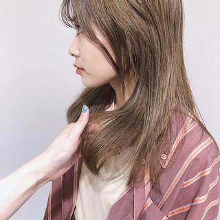 ミディアム 外国人風カラー ヌーディベージュ ブラウンベージュ ヘアスタイルや髪型の写真・画像
