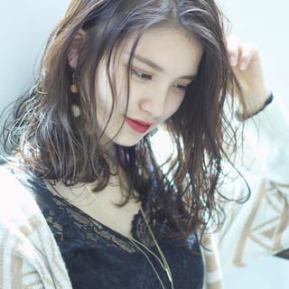 ミディアム エレガント ハイライト 上品 ヘアスタイルや髪型の写真・画像