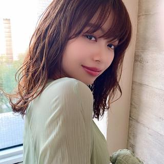パーマ 透明感 ゆる巻き 可愛い ヘアスタイルや髪型の写真・画像