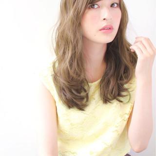 小顔 セミロング ナチュラル パーマ ヘアスタイルや髪型の写真・画像