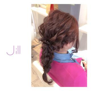 セミロング 簡単ヘアアレンジ フェミニン 波ウェーブ ヘアスタイルや髪型の写真・画像